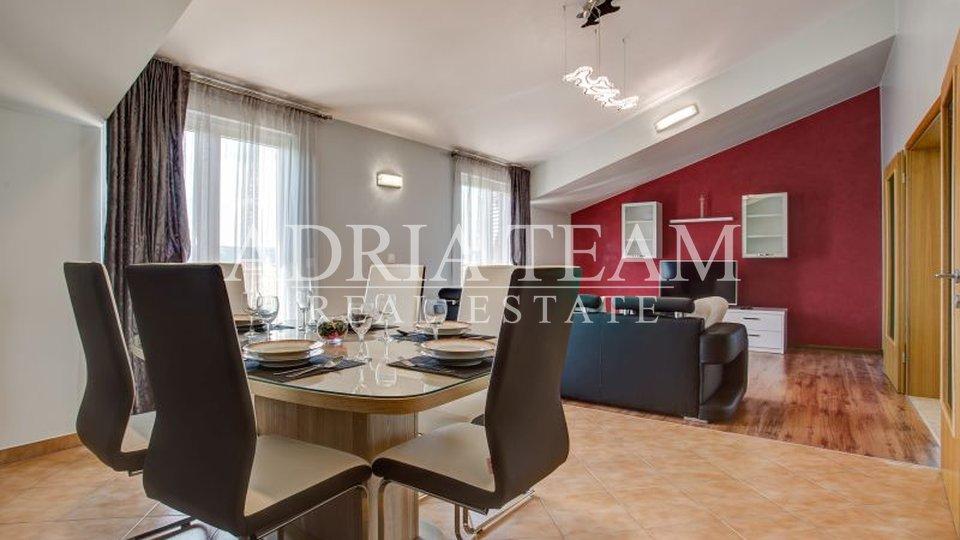 House, 240 m2, For Sale, Kaštel Novi