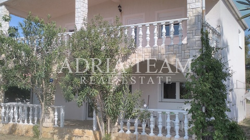 APARTMENT HOUSE, 100 M FROM THE SEA, VIR