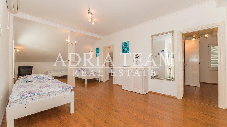 House, 700 m2, For Sale, Pag - Košljun